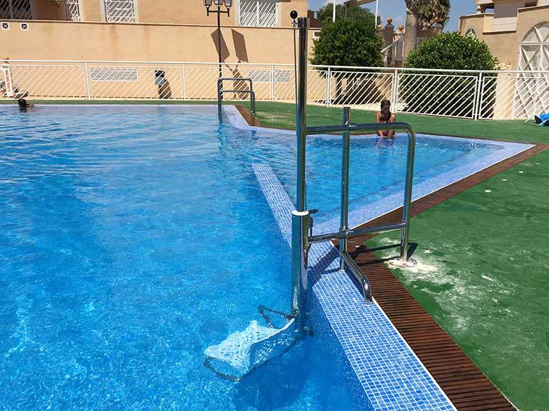 grua-piscinas