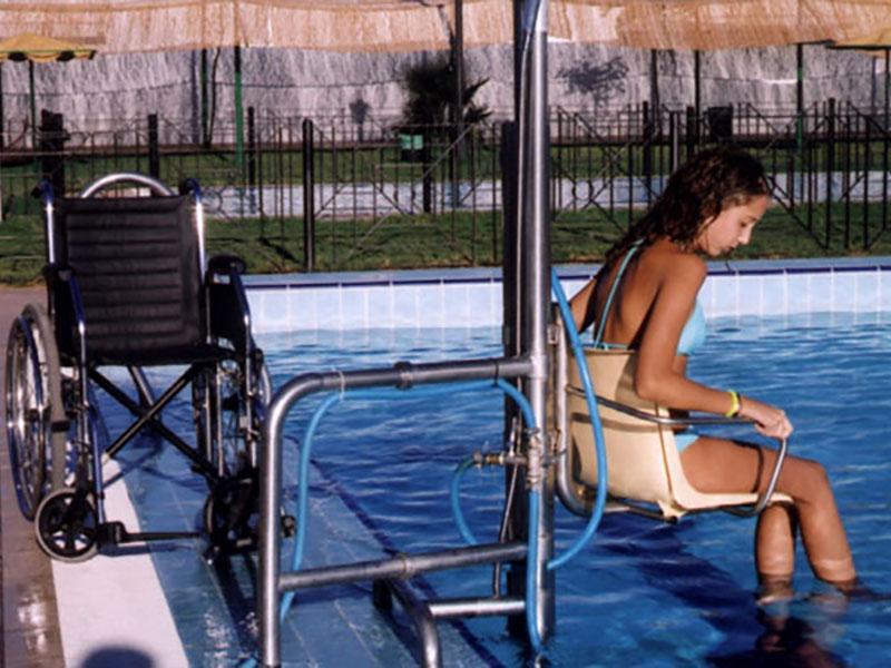salvaescaleras-para-piscinas